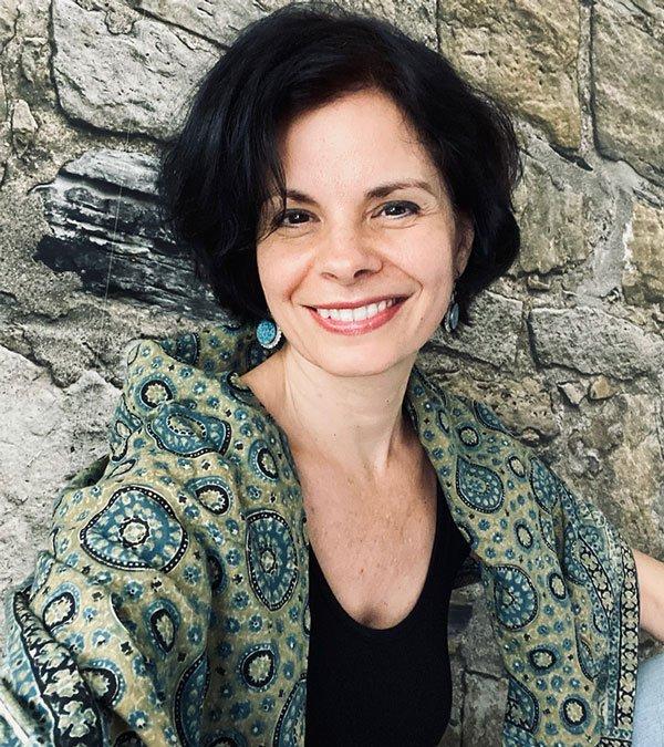 Anna Dobos